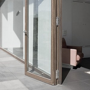 insektenschutz terrassent r kaufen l sung ohne bohren. Black Bedroom Furniture Sets. Home Design Ideas